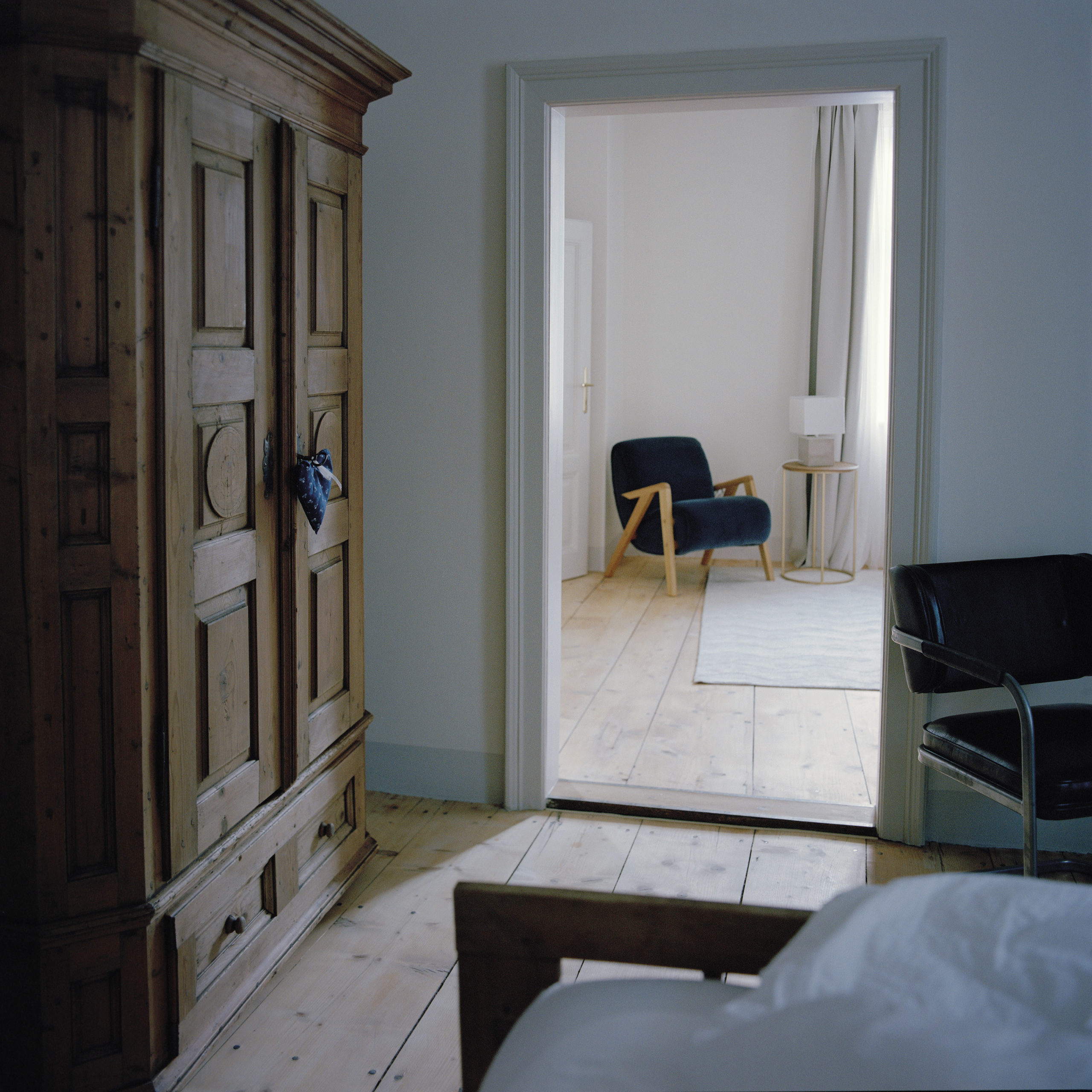 suite 32 living